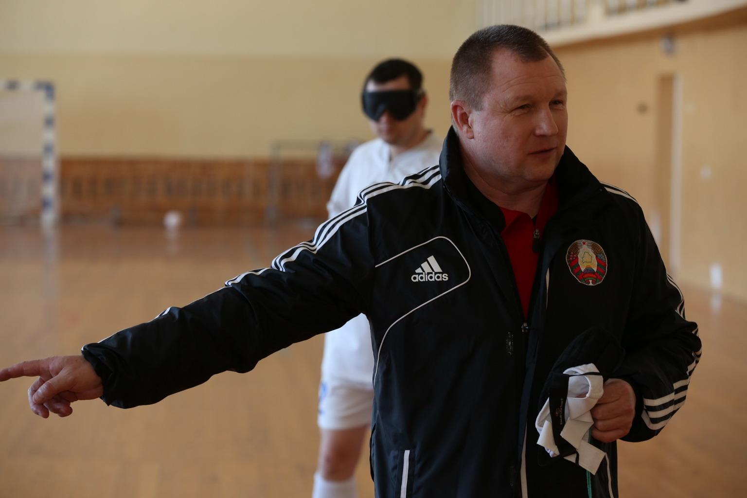 Тренер по футболу В1 Олег Кириллов
